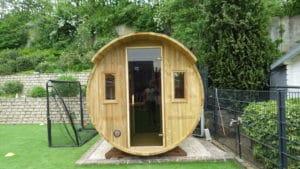 Ihre kleine persönliche Fass-Sauna. Fachgerecht montiert und verschraubt.