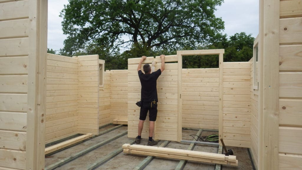 Aufbau Gartenhaus