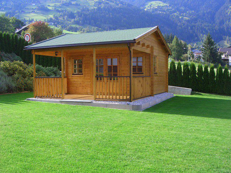 Gartenhaus auf der Grundstücksgrenze