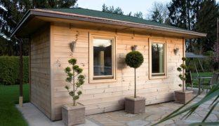 Outdoor-Sauna im Garten