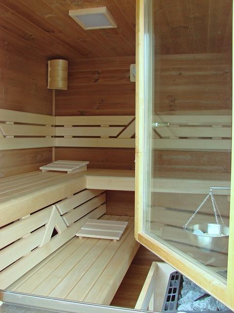 die sauna im eigenen garten gartenhaus aufbau. Black Bedroom Furniture Sets. Home Design Ideas